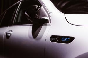 Présentation nouvelle Mercedes EQC by Sogalux -